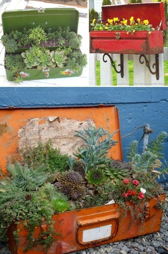 24 Idéias Creative Container Garden |  Use cofres de ferramentas antigos como plantador!