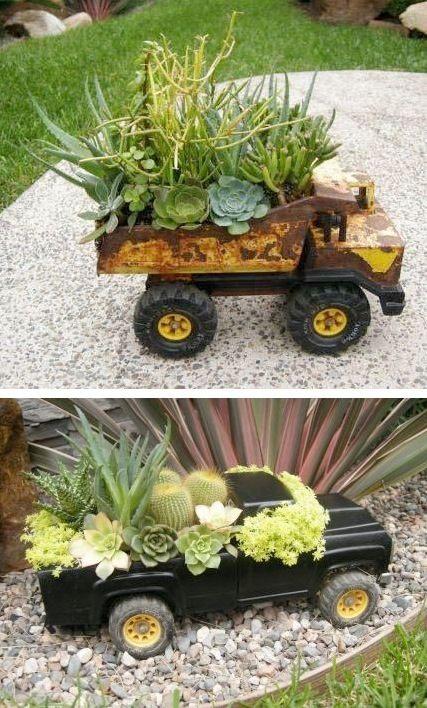 24 Idéias Creative Container Garden |  Use caminhões de brinquedo como plantadores!